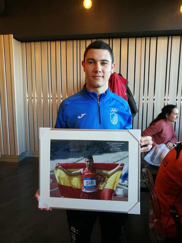 David Carranza, homenajeado por su club en el XXII Trofeo Félix Hernando